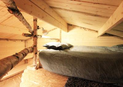 Vue de la chambre d'un chalet individuel dans notre camp à Älgbäck en Laponie suédoise