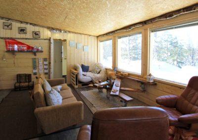 Vue intérieur du grand chalet, l'espace lounge chez nous à Älgbäck en Laponie suédoise